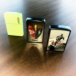 zippo surf collection beach feeling superflavor surf mag 03 250x250 - Verlosung - Summer, Sun & Surfing mit ZIPPO