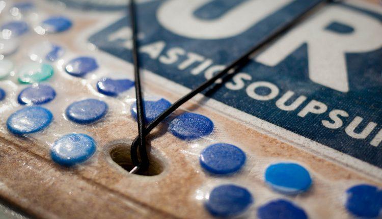 Board aus Plastikflaschen Foto Eelke Dekker (4)